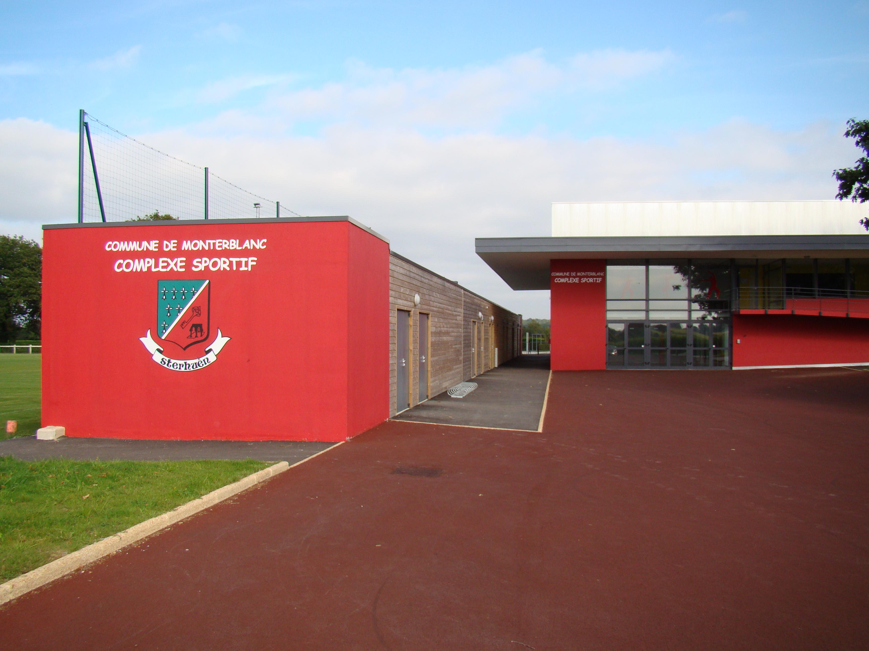 Entrée du Complexe Sportif de Monterblanc ( Route du Stade )